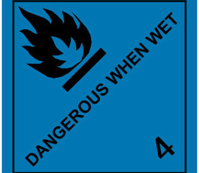 IATA 4.3 Dangerous when wet label, 100mm x 100mm, 1.000 etiketten, core 76mm